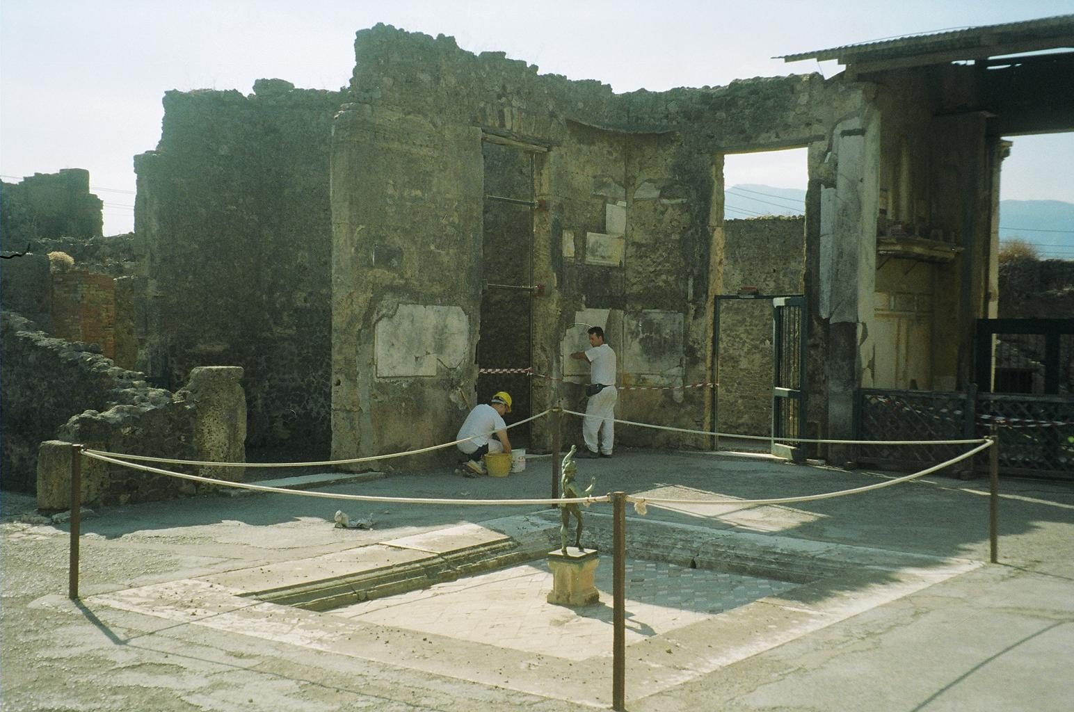 pompeii and herculaneum restoration by ngos